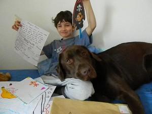 Une lettre emplis de bonheur pour mon fils Il lui on envoyé ce courrier de dessins. Avec une jolie lettre et signature!